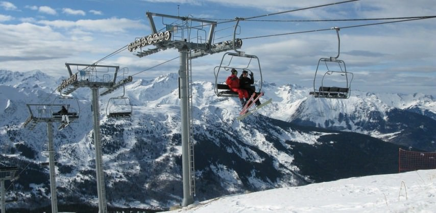 Skiers at La Tanina of the Three Valleys