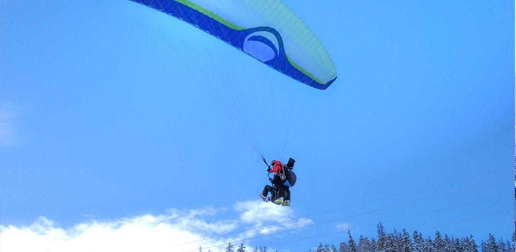 Paraglider-in-La-Plagne