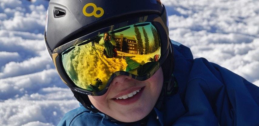 Are ski helmets compulsory in France?