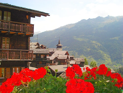 The amazing mountain views from chalets in Grimentz