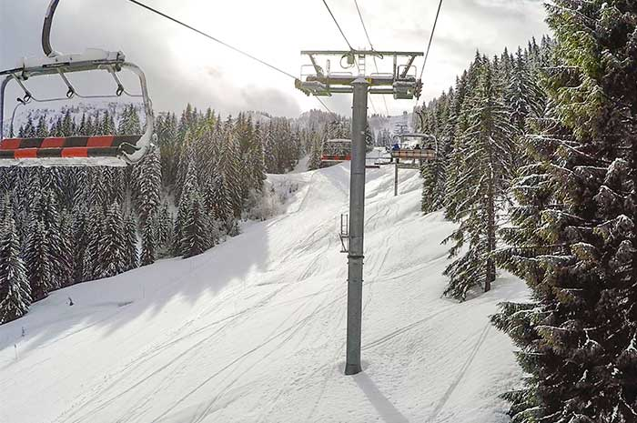 The Charniaz lift from Morzine towards Les Gets