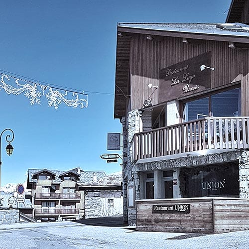 Exterior of union restaurant la plagne