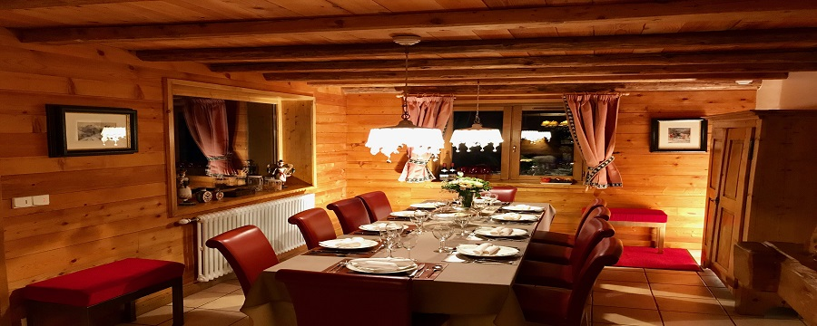 Cosy dining area for guests after long days on the slopes