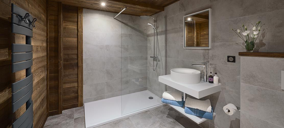 Modern ski chalet bathroom