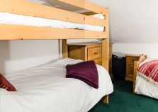 Bunk beds & additional single bed, ideal for families