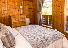 A double room overlooking the pistes
