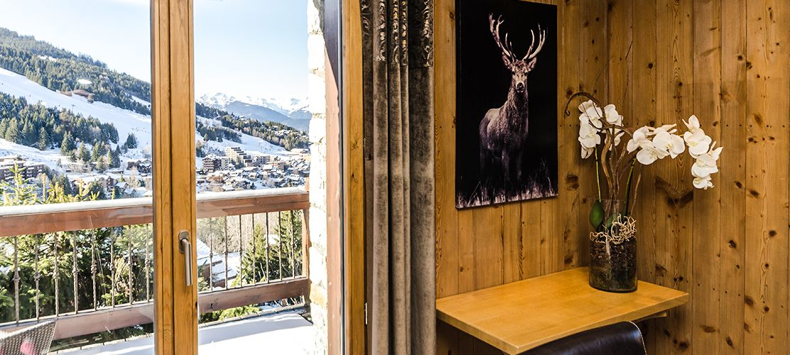 Decorative Wall Art and Amazing Views from Chalet Golden Eagle