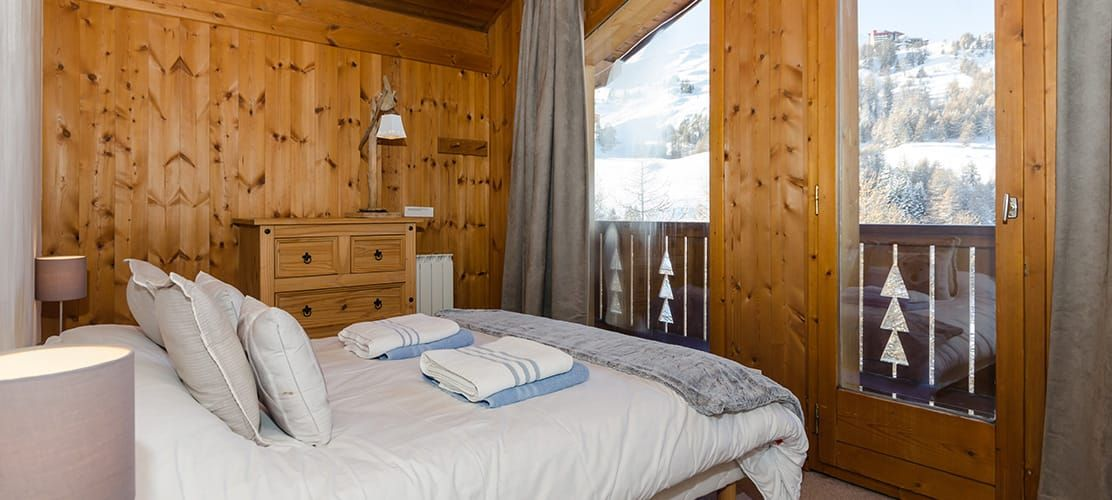 Chalet double room with ensuite views of La Plagne