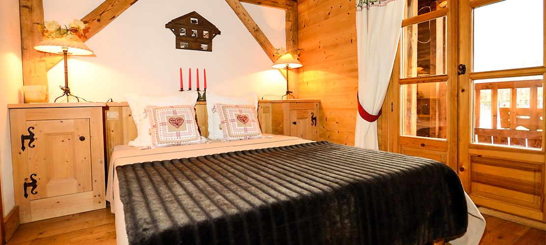 Catered/self catered ski chalets in France & Switzerland