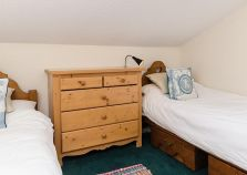 Twin bedroom in self catered chalet