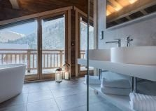 Bathroom overlooking morzine