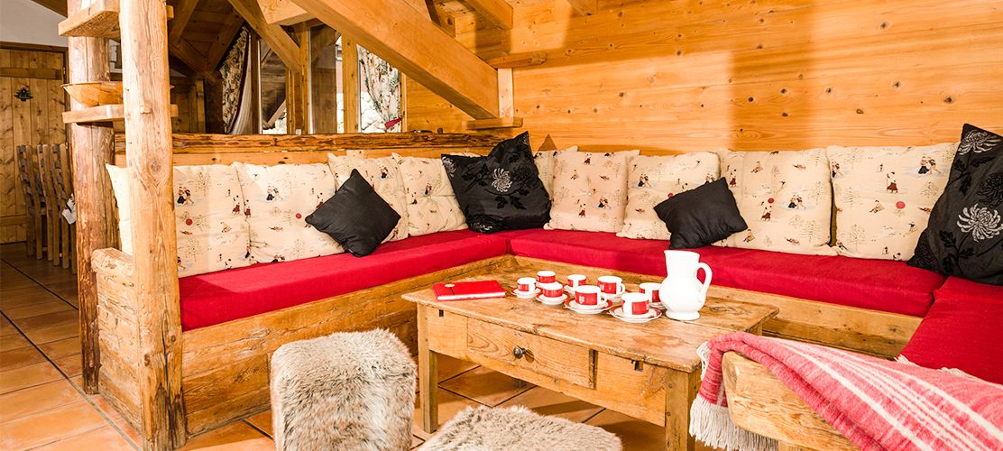 Chalet Vallon Blanc a catered ski chalet in La Tania