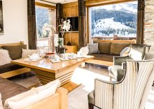 Cosy Lounge Area in Chalet Golden Eagle