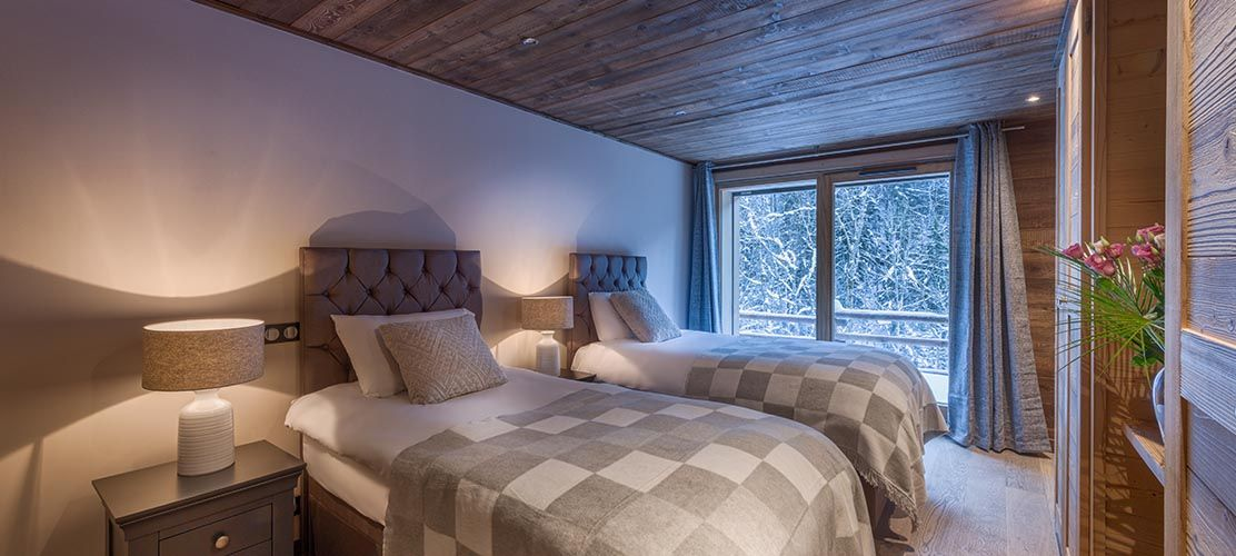 Twin bedroom